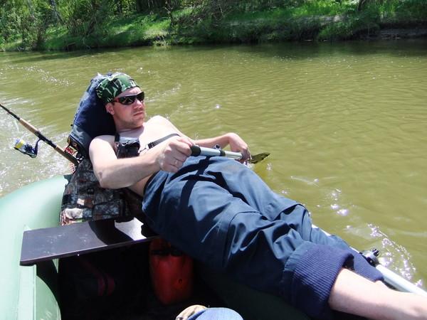 Лодка BoatMaster настолько устойчива, что можно на одном борту подремать